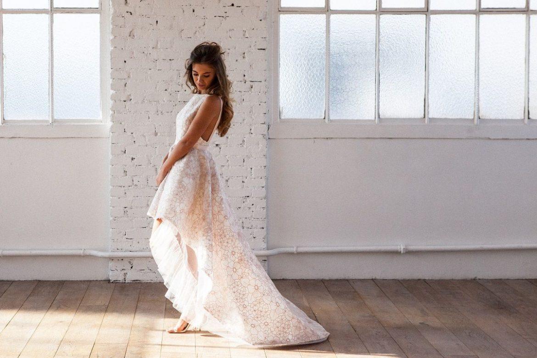 ROBE COURTE DEVANT ET LONGUE DERRIERE : ROBE DE COCKTAIL IDEALE ? - Fashion Nabilla